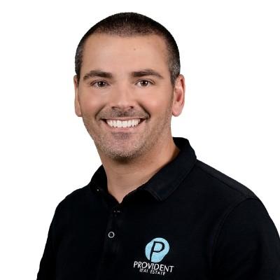 Headshot of Real Estate Agent Ryan McGinnis